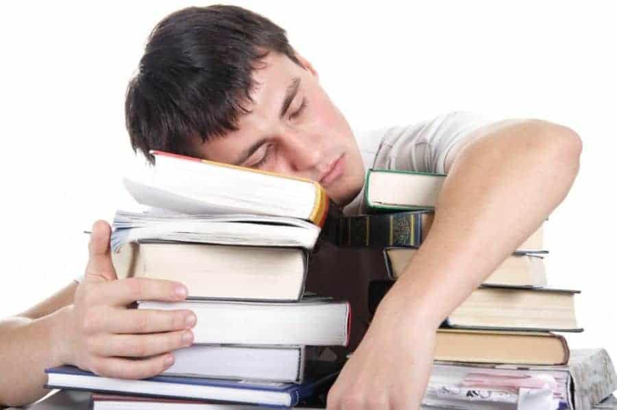 como afastar o sono na hora de estudar