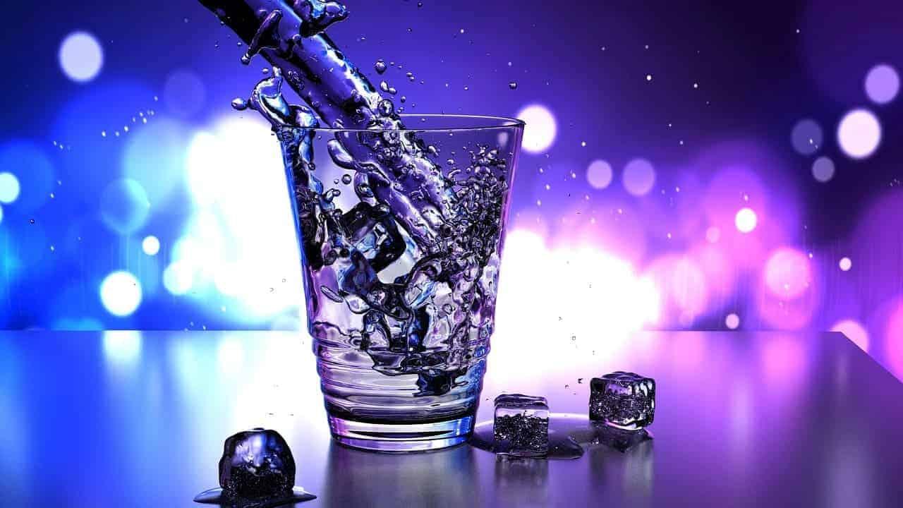 água alcalina para estudar